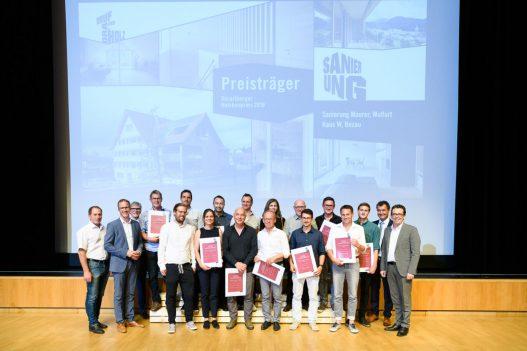 Hehl Tenne Vorarlberger Holzbaupreis 2019 Preisträger auf Bühne OEOOO Architektur